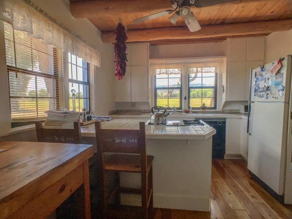 Kitchen 1a (1)